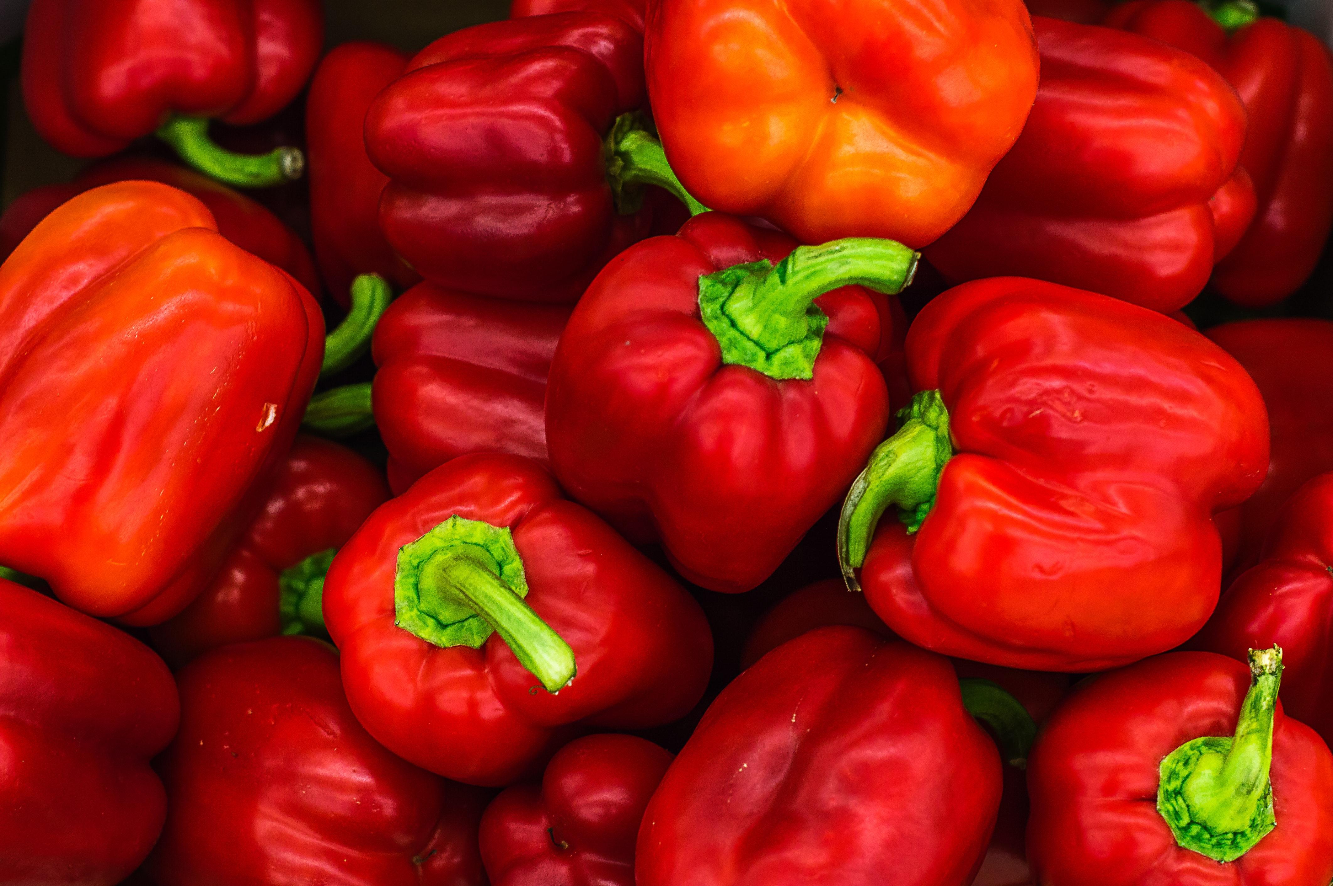 vitolda-klein-OVBiRdLWFJM-unsplash red peppers